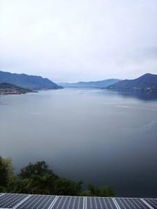 vista  Lago Maggiore da un tetto